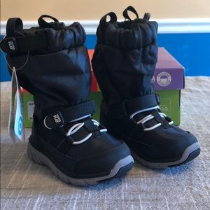 Stride Rite Made to Play Sneaker Boot Snowboot